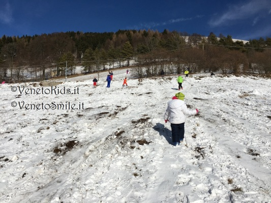 veneto-kids-venetokids-neve-montagna-slittino